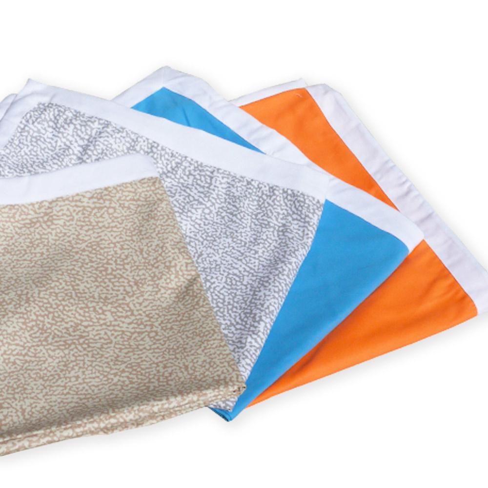 Serviette de plage colorée en microfibre avec poches pour lits de plage
